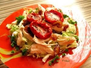 salat-s-vyalenimi-pomidorami-300x225