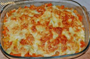 запеканка с кабачками и помидорами под сыром