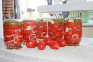 литровые банки томатов