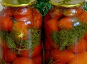 Закрыть помидоры с морковной ботвой
