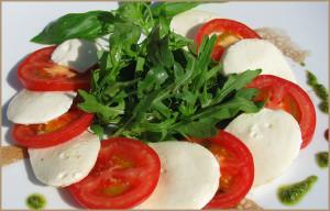salat_s_mocarelloj_i_rukkoloj