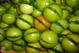 Бурые-помидоры-по-армянски