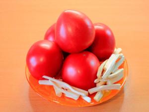 priprava-iz-pomidorov-s-khrenom