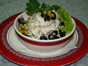 salat-iz-govyadiny-s-ogurcami