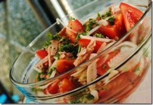 salat-s-tuncom-konservirovannym_thumb