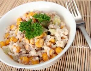 salat-s-tuntsom-konservirovannym2