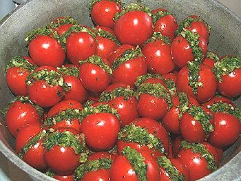 Фаршированные помидоры с зеленью