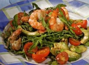 salat_iz_krevetok_avokado_pomidorov_cherri