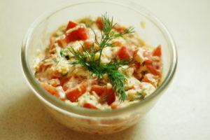 1314370034_salat-iz-pomidorov-i-syra