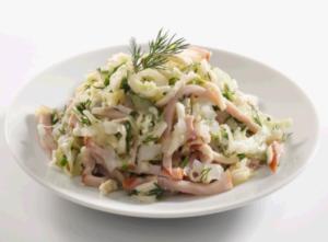 salat-s-vetchinoy-i-syrom-recept