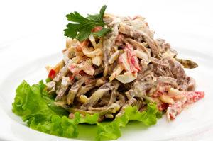 salat-tyoshhin-yazyk-iz-ogurcov