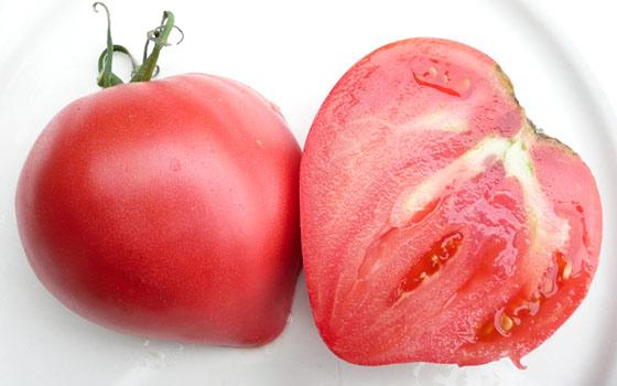 Томат Розовое сердце: характеристика и описание сорта, урожайность с фото